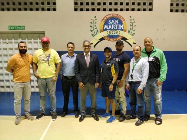 Representantes del Torneo de Baloncesto Empresarial SFM y Ejecutivos